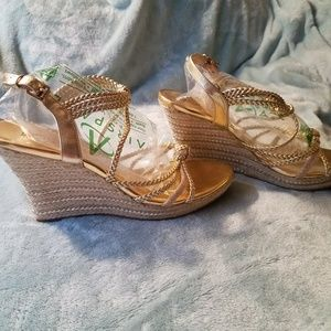 BEAUTIFUL Michael Kors Braided Gold Wedges